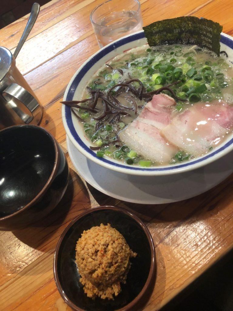 豚骨ラーメン【田中商店】赤オニが旨い!
